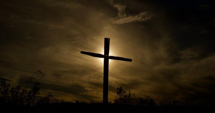 Viernes santo: celebrar en Jesús Resucitado la muerte de tantas personas que han muerto por esta pandemia